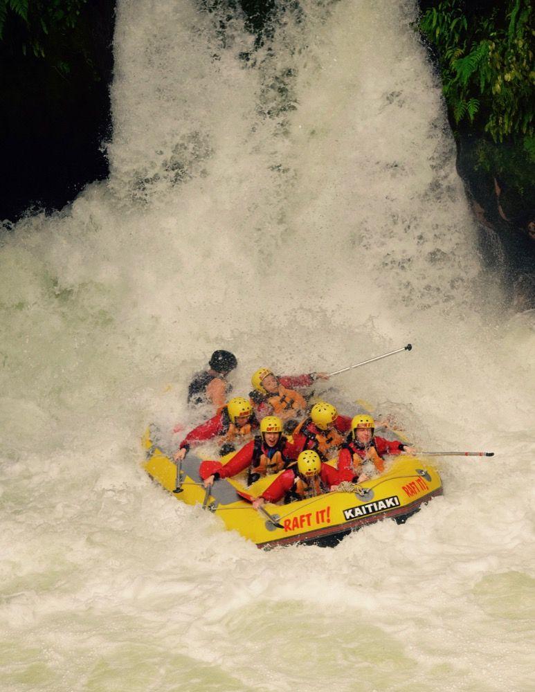 rotorua-rafting-wodospad